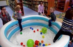 Bibloteczne zajęcia dla dzieci i rodziców